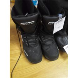 MEN'S THERMAL FXR BOOTS, SIZE 12, LIKE-NEW