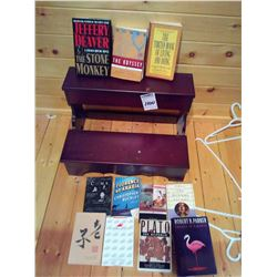WOODEN SHELF WITH 11 BOOKS