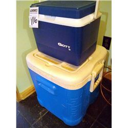 PAIR OF COOLOERS, IGLOO 14 CAN COOLER, GOTT 8 COOLER