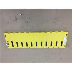 FANUC A03B-0807-C001 AIF01A INPUT CARD BASE