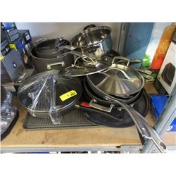 14 Pieces of Cookware - Store Return