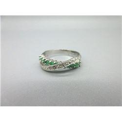 Lively Emerald & Diamond Crossover Design Ring