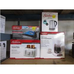 4 Small Kitchen Appliances - Store Returns