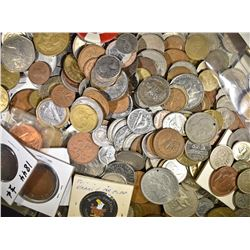 10-POUNDS WELL MIXED FOREIGN COINS