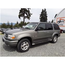 N6 --  2000 FORD EXPLORER SUV, GREEN, 183,880 KMS