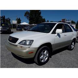 P4 --  2000 LEXUS RX 300 , White , 226328  Miles