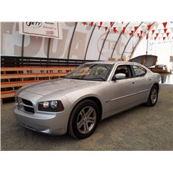 B3 --  2006 DODGE CHARGER R/T , Silver , 202040  KM's