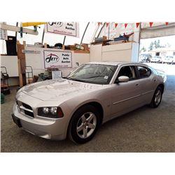 C4 --  2010 DODGE CHARGER SXT , Silver , 149999  KM's