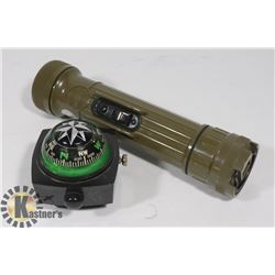 USA ARMY FLASH LIGHT AND DECK MOUNT MARINE