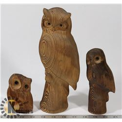 SET OF 3 SIGNED HAND CARVED WOOD OWL FIGURES (NKK)