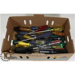 FLAT OF ASSORTED SCREWDRIVERS