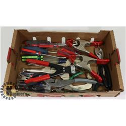 FLAT OF PLIERS, CLAMPS, SCREWDRIVERS AND MORE