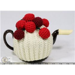 TEAPOT WITH GRAPE CROCHETED COVER.