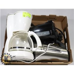 FLAT OF KITCHEN SMALL APPLIANCES INCLUDING