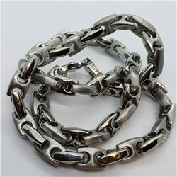 196) STAINLESS STEEL CHAIN NECKLACE