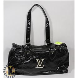 LOUIS VUITTON REPLICA BLACK AND SILVER LOGO PURSE