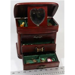 ESTATE JEWELLERY BOX WITH CONTENTS