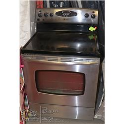 MAYTAG BLK AND ST STEEL CERAMIC TOP CONVECTION
