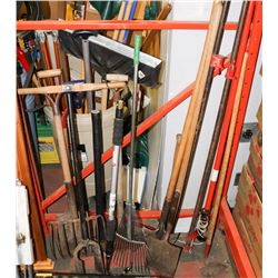 LARGE LOT OF ASSORTED GARDEN TOOLS
