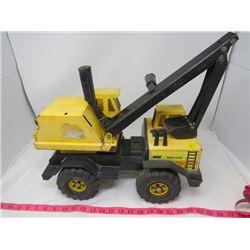 TOY CONSTRUCTION TRUCK (HAS EXCAVATOR ARM)