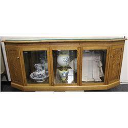 Custom Oak Display Case    (80059)