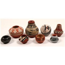 Miniature Native American Pots (8)   (105085)