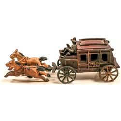 Wells Fargo Cast Iron Stagecoach Toy   (105684)