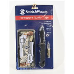 Smith & Wesson Commemorative Knife Set
