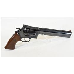 Dan Wesson 40 Handgun
