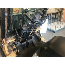 "CATERPILLAR MODEL GP25 5000 LPG FORKLIFT WITH 2 STAGE MAST, FORK POSITIONERS, 130"" REACH AND 9511"