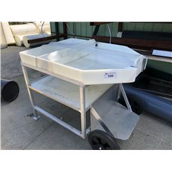 MOBILE FISH PROCESSING CART