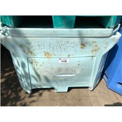 PLASTIC 170 GALLON FISH TOTE WITH LID