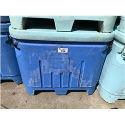 PLASTIC 188 GALLON FISH TOTE WITH LID