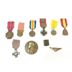 WWI French Medals & Plaque (10)