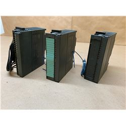 (3) Siemens 1P6ES7 322-1BH01-0AA0 Output Modules