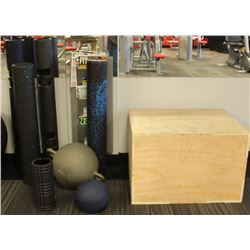 LOT OF ASSORTED GYM ACCESSORIES