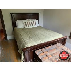 Bed w/Headboard & Footboard