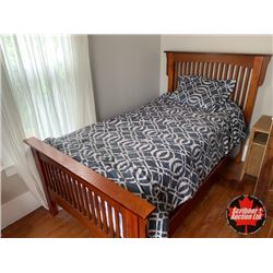Bed w/Slatted Wood /Headboard & Footboard