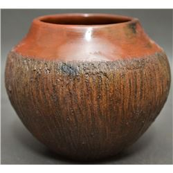 NAVAJO INDIAN POTTERY JAR (ALICE CLING)