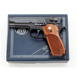 SW Model 39-2 Semi-Automatic Pistol
