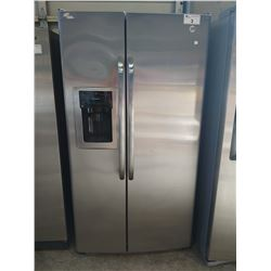3' WIDE GE STAINLESS STEEL FRENCH DOOR FRIDGE / FREEZER WITH WATER + ICE