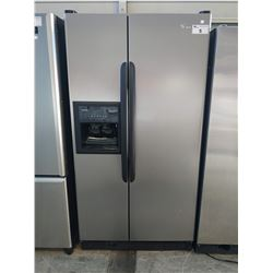 3' WIDE KENMORE FRENCH DOOR FRIDGE / FREEZER WITH WATER + ICE (MAKES LOUD NOISE)