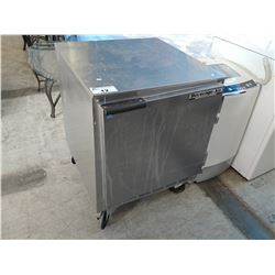 STAINLESS STEEL BEVERAGE AIR PORTABLE COOLER