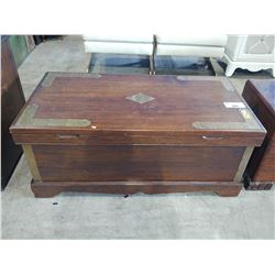 ANTIQUE CHEST WITH VICTORIAN DECOR