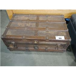 VINTAGE TRUNK WITH PAIR OF AUSTRALIAN LEATHER HATS AND WOOD BOX