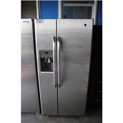 SCRATCH & DENT GE STAINLESS STEEL AND GREY FRENCH DOOR FRIDGE WITH WATER AND ICE DISPENSER