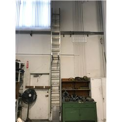 ALUMINUM 30' EXTENSION LADDER