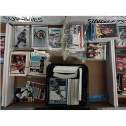TRAY LOT OF HOCKEY CARDS