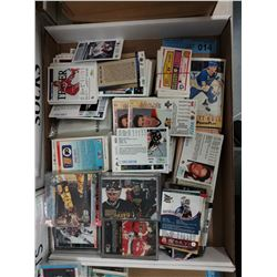 LARGE TRAY LOT OF HOCKEY CARDS