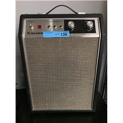 VINTAGE SEARS GUITAR AMP